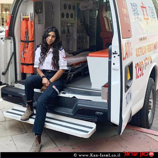 אסתר מנגד חובשת בת 18שעלתה לישראל לפני 3 חודשים מניו-יורק | צילום דוברות מדא | עיבוד ממחושב: שולי סונגו©