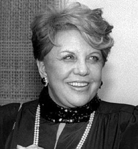 מירה אברך, ציירת אופנה, כתבת-החברה (רכילות) הראשונה ועיתונאית בידיעות אחרונות | צילום: ויקיפדיה