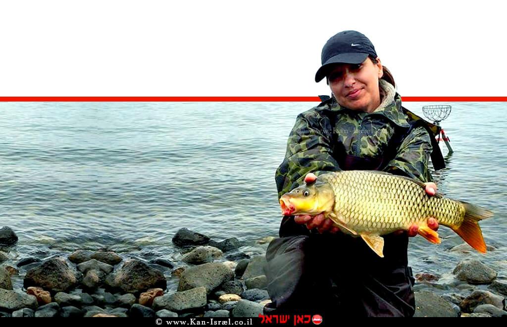 """דייגת בתחרות בינלאומית לדייג ספורטיבי """"ישראפיש"""" בחופי איגוד ערים כינרת   עיבוד ממחושב: שולי סונגו©"""