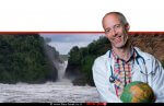 דר' עמי נויברגר, רופא בכיר ביחידה למחלות זיהומיות ברמבם ומנהל מרפאת המטיילים בבית החולים | ברקע נהר שוצף באפריקה | צילום: דר' דני אפשטיין | עיבוד ממחושב: שולי סונגו©