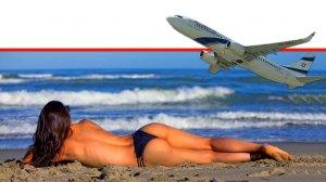 מטוס נוסעים של אל על ברקע: צעירה נופשת בחוף הים | עיבוד ממחושב: שולי סונגו©