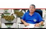רואי קליגר מנהל היחידה יחידה מרכזית לאכיפה וחקירות בפיקוח על מוצרי הצומח והחי ברקע: קיווי שהוברח מטורקיה | עיבוד ממחושב: שולי סונגו©