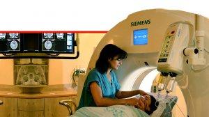 מכשיר דימות רפואי בבית החולים האוניברסיטאי רמבם | צילום: דוברות רמבם | עיבוד ממחושב: שולי סונגו©