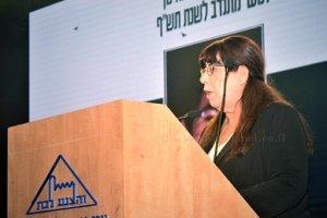הגב' צביה ריבן אימו של התלמיד אלעד זכרו לברכה שניספה בשריפה יער בכרמל בשנת 2010