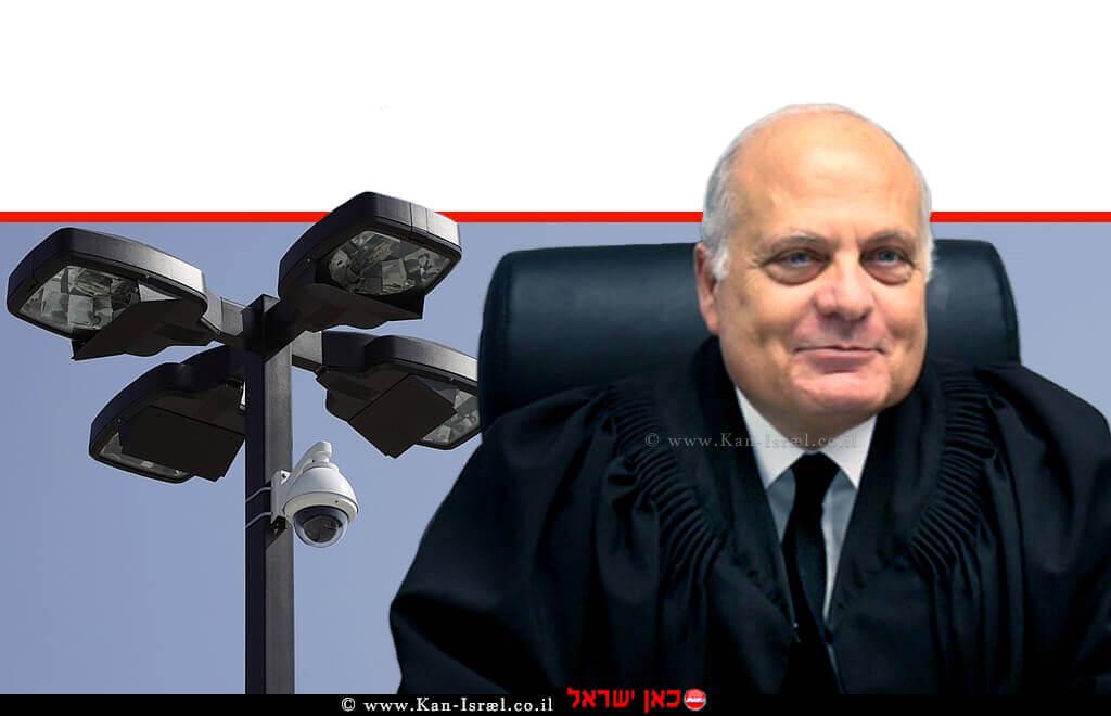 ג'ורג' קרא כבוד שופט בית המשפט העליון, ברקע: מצלמת רחוב |עיבוד צילום ממחושב: שולי סונגו©