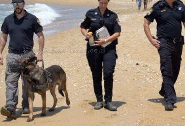 שוטרי משטרת ישראל בסיור בחוף הים   צילום: דוברות המשטרה   עיבוד צילום: שולי סונגו ©
