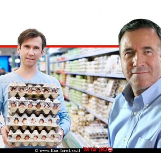 דר' נחום איצקוביץ' מנכל משרד החקלאות ופיתוח הכפר, ברקע: גבר שרכש תבניות ביצים   עיבוד צילום: שולי סונגו ©