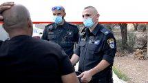 שוטרי משטרת ישראל בפעילות פיקוח ואכיפה נגד אזרחים בגין אי עטיית מסיכה במרחב הציבורי והפרת חובת הבידוד| צילום: דוברות המשטרה