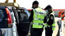 שוטרי אגף התנועה של משטרת ישראל באכיפה, נגד עבירות הגורמות לתאונות דרכים ומסכנות חיים | צילום: דוברות המשטרה | עיבוד צילום: שולי סונגו ©