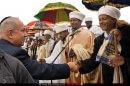 ראש הממשלה בנימין נתניהו מתקבל אצל ראשי מנהיגי העדה האתיופית ו'קהילת ביתא ישראל' ביום חגה הסיגד | צילום: לעמ | עיבוד: שולי סונגו ©