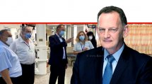 """יוחנן לוקר, יושב ראש הדירקטוריון של """"כללית"""" בביקור ראשון מאז נכנס לתפקידו, במרכז הרפואי לשיקום – לוינשטיין   צילום: דוברות המרכז הרפואי לשיקום לוינשטיין   עיבוד: שולי סונגו ©"""