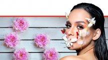 נועם לוי דוגמנית מאופרת על ידי ירין שחף בצבעי האביב לרגל פתיחת העונה | ברקע: פרחי אביב | איפור: תמר שללה ל-'ירין שחף' | עיבוד צילום: שולי סונגו ©
