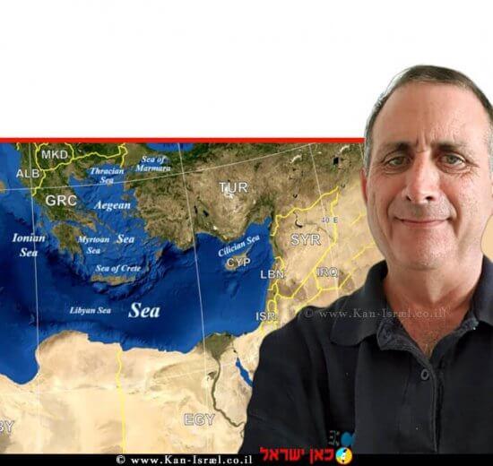 עורך דין אריק רוזנבלום מנכל עמותת אקואושן ברקע: הים התיכון |עיבוד צילום: שולי סונגו ©