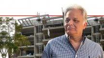 רפי-זנזורי יושב ראש -קבלני הבנייה בעיר נתניה ברקע: בניין מגורים בבנייה של קבוצת זנזורי נדלן | עיבוד צילום ממחושב: שולי סונגו©