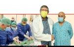 חביב אללה מוחמד מ-עין מאהל לאחר הניתוח עם דר' פביו קוזניץ, קרדיולוג בכיר ומצנתר של המרכז הרפואי פדה-פוריה | צילום: דוברות |עיבוד צילום: שולי סונגו ©