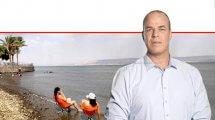 עידן גרינבאום יושב ראש איגוד ערים כינרת, חוף צינברי באגם כינרת   צילום: טלי בר, איגוד ערים כינרת   עיבוד צילום: שולי סונגו ©