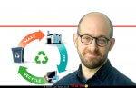 עידו דיאמנט מנהל התוכניות מרכז היזמות אוניברסיטת תל אביב ומנהל תכנית סוויצ'מד בישראל ברקע: כלכלה מעגלית | צילום: Depositphotos |עיבוד צילום: שולי סונגו ©