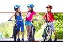 ילדים רוכבים על אופניים, טיפים לרכיבה בטוּחה   צילום: Depositphotos  עיבוד צילום: שולי סונגו ©